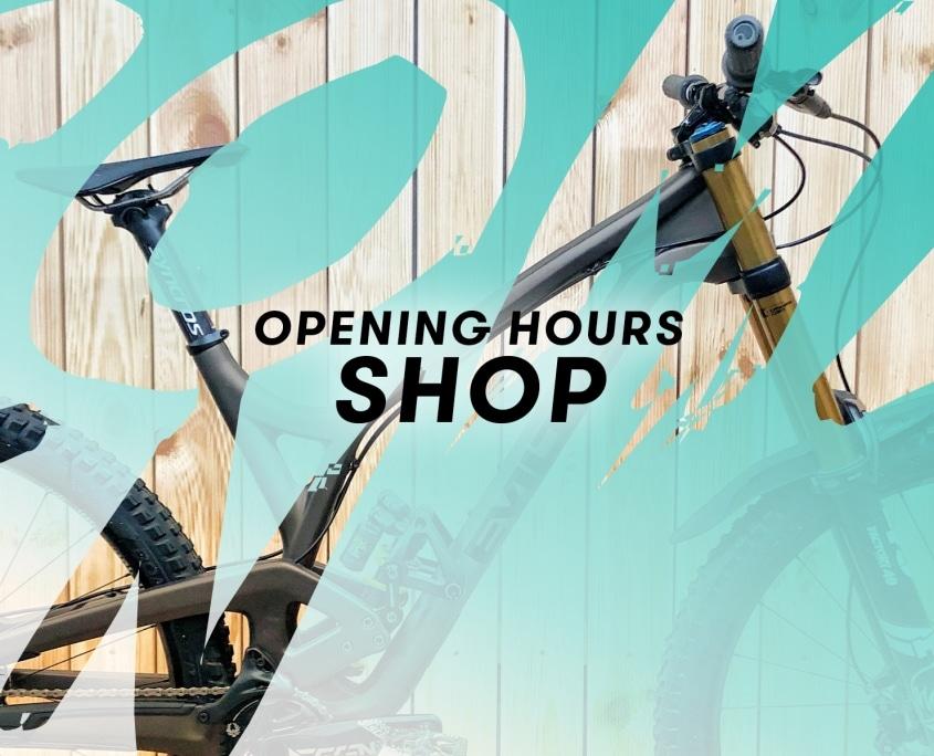Envy Cycles Kontakt und Öffnungszeiten Banner mit blauem Hintergrund